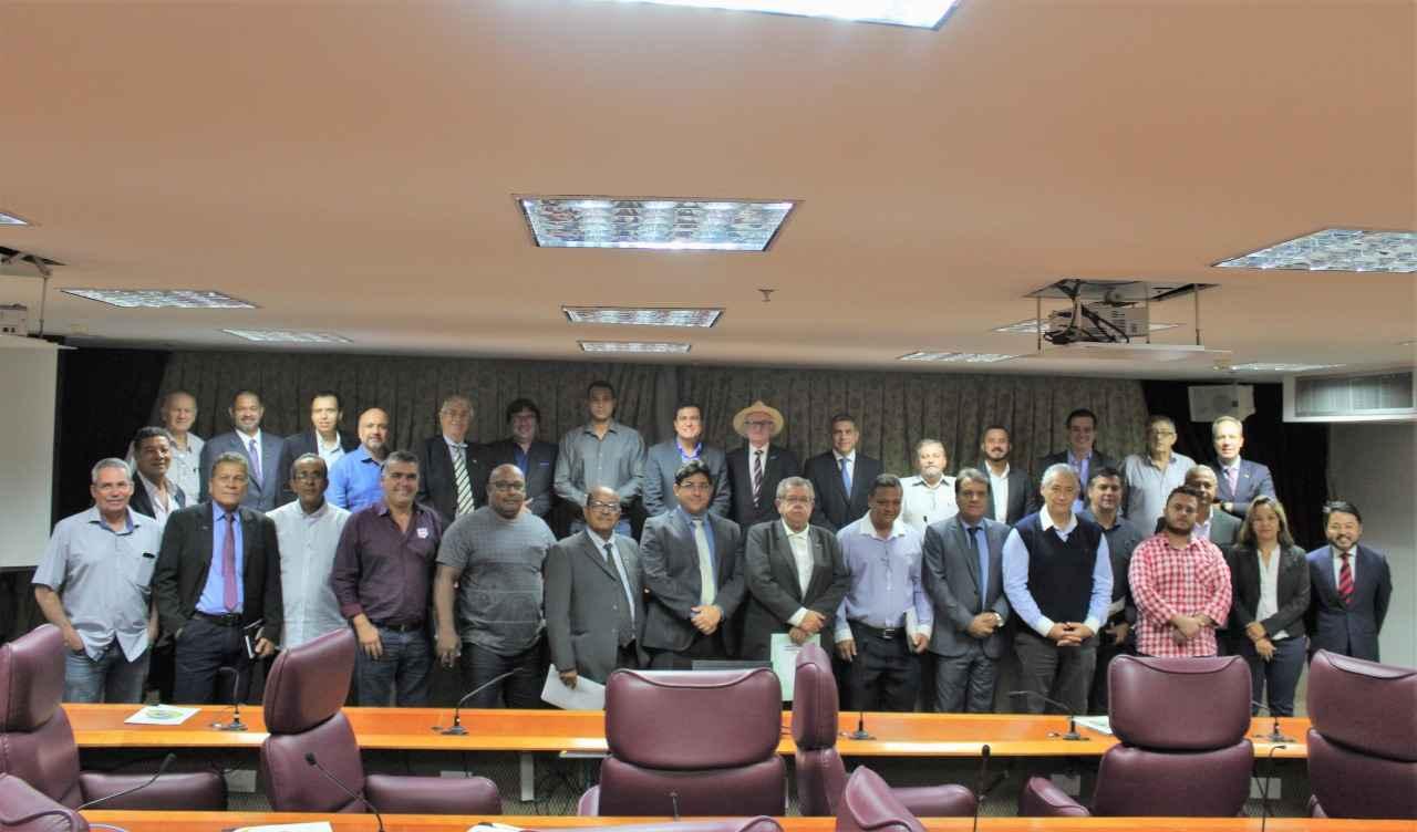 CNTA realiza reunião de trabalho com entidades da base