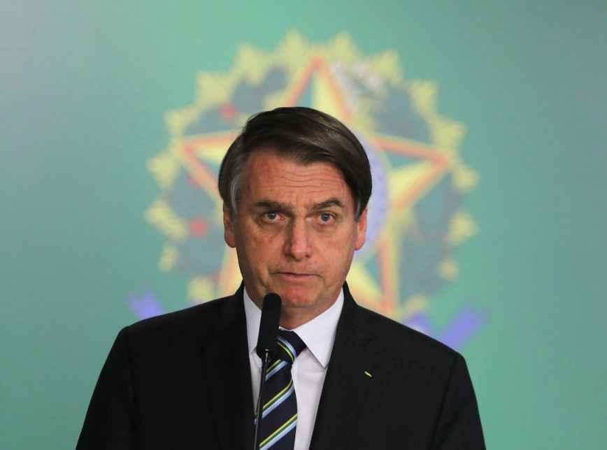 Bolsonaro entrega projeto de lei à Câmara dos Deputados que propõe o fim da exigência de exame toxicológico para motoristas profissionais